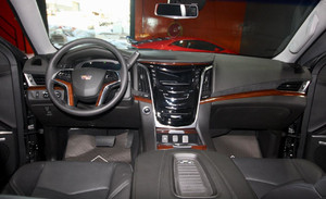 Cadillac Escalade in Dubai (photo 4)